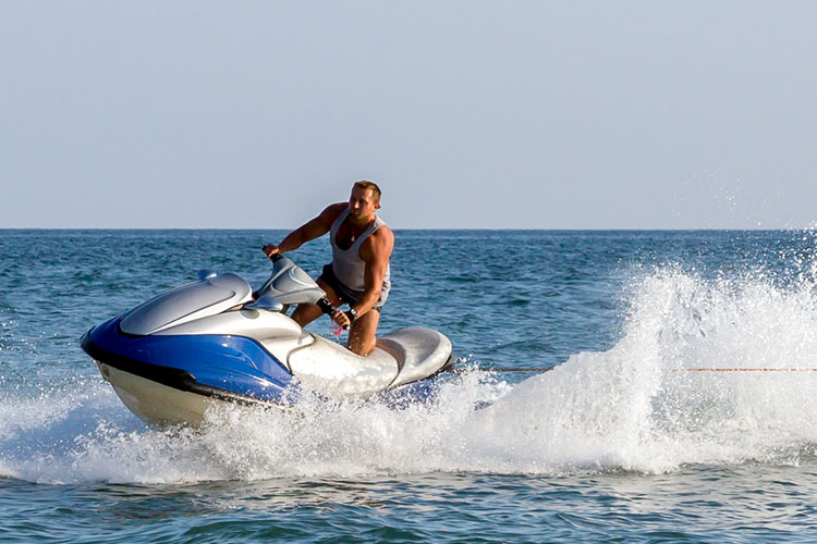 5 Exhilarating Jet Skiing Spots in Alabama