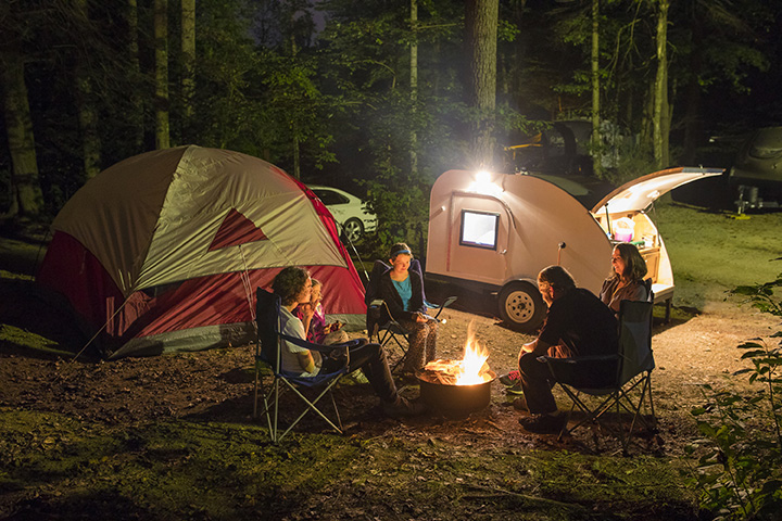 10 Essential Pieces of Summer Gear for Beginning Campers