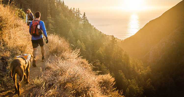 10 Essentials for your Family's Summer Hike