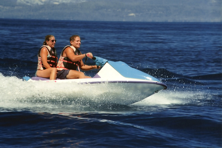 5 Exhilarating Jet Skiing Spots in Arkansas