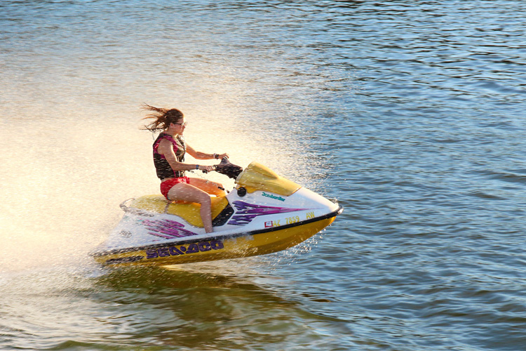5 Exhilarating Jet Skiing Spots in Arizona