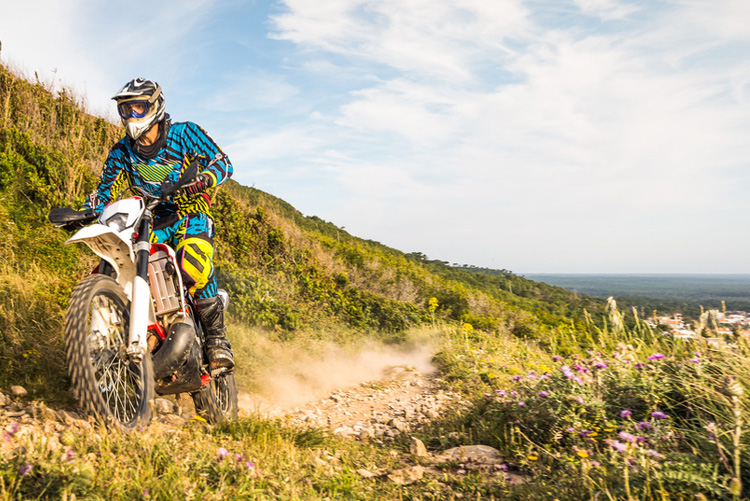 5 Amazing Dirt Motorcycle Trails in California