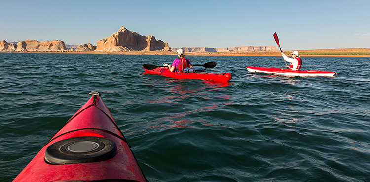 5 Excellent Places for Beginners to Kayak in Colorado