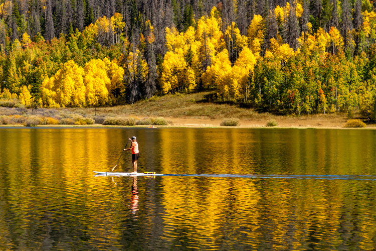 5 Great Paddleboarding Spots in Colorado
