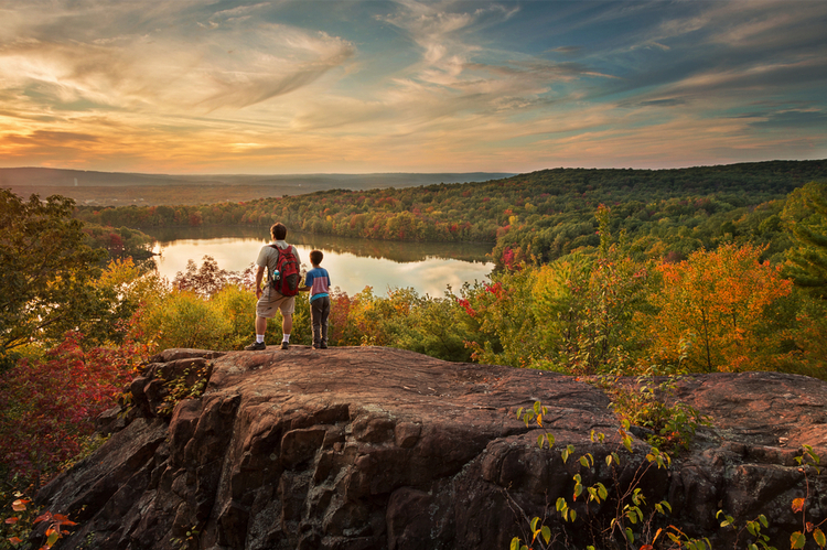 5 Beautiful Scenic Hikes in Connecticut