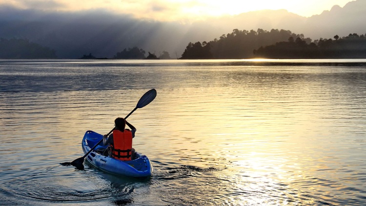 5 Excellent Places for Beginners to Kayak in Connecticut