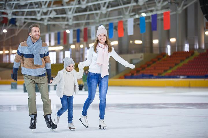 9 Best Ice Skating Rinks in and Around Delaware