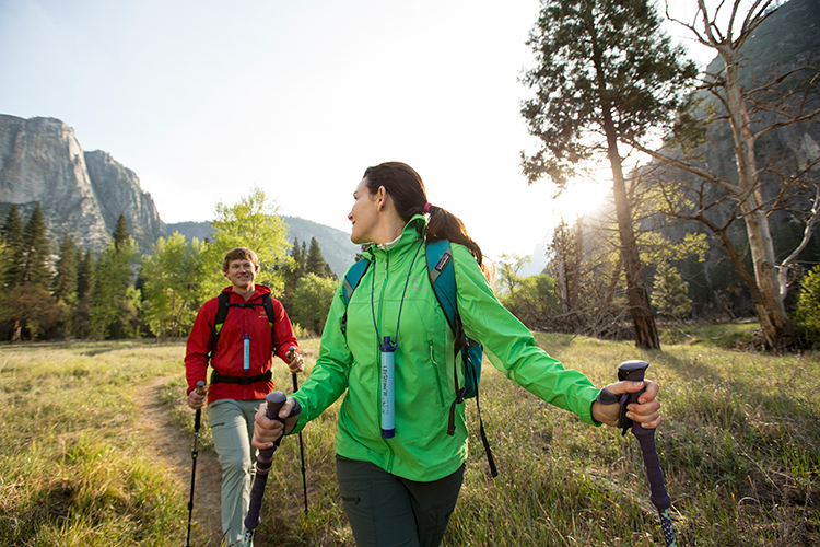 8 Emergency Gear Items to Bring on Your Hike