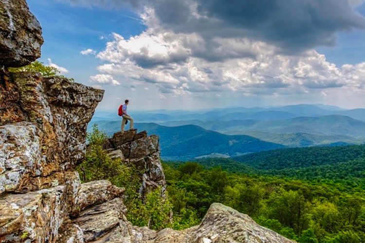 5 Amazing Weekend Fall Hikes Across the U.S.