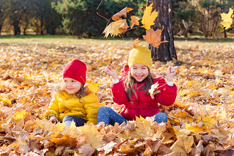 5 Fun Hiking Activities to Try with Your Kids This Fall