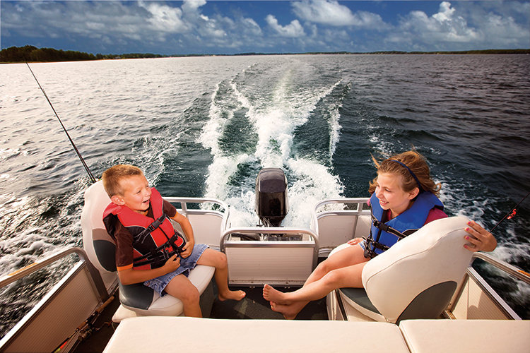 8 Common Sense Tips for Buying Your First Boat