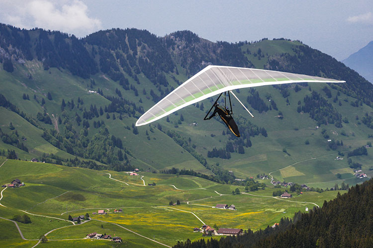 VIDEO: Hang gliding adventure turns into a nightmare
