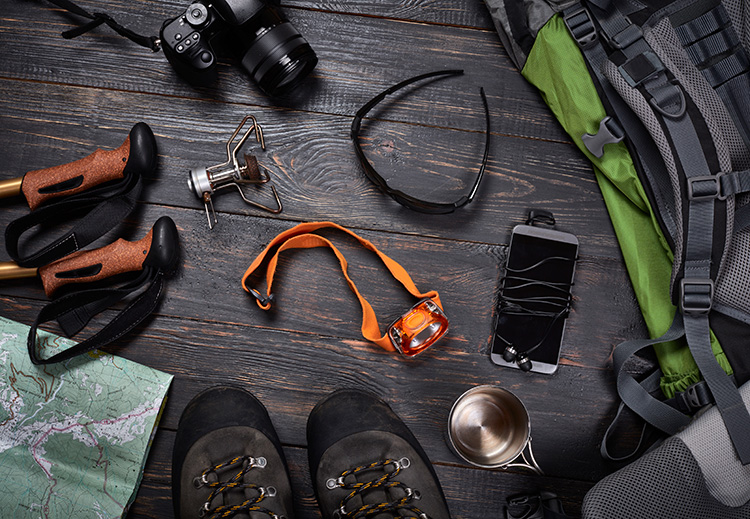 10 (Modern) Essentials Every Hiker Should Carry