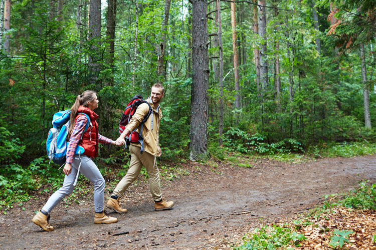 Start Your Trek: 7 Unbeatable Hiking Retailers in Iowa