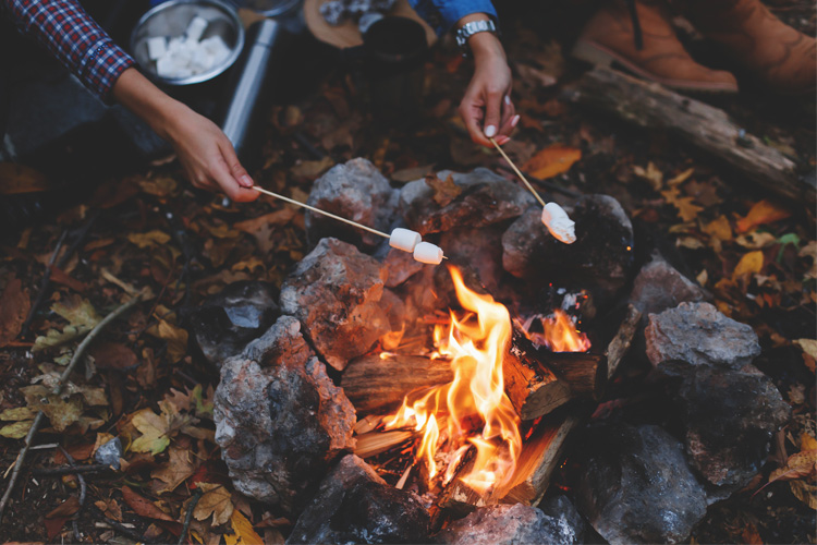 9 Best Outdoor Fall Activities in Iowa