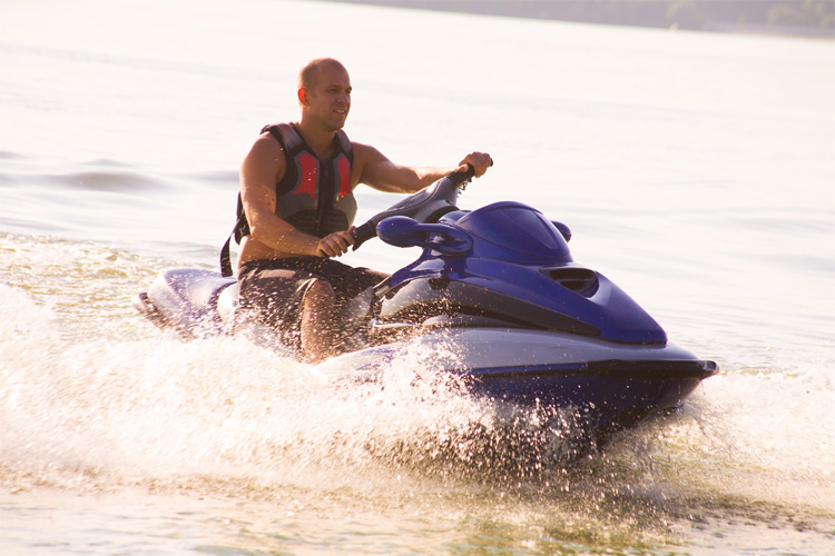 5 Exhilarating Jet Skiing Spots in Idaho