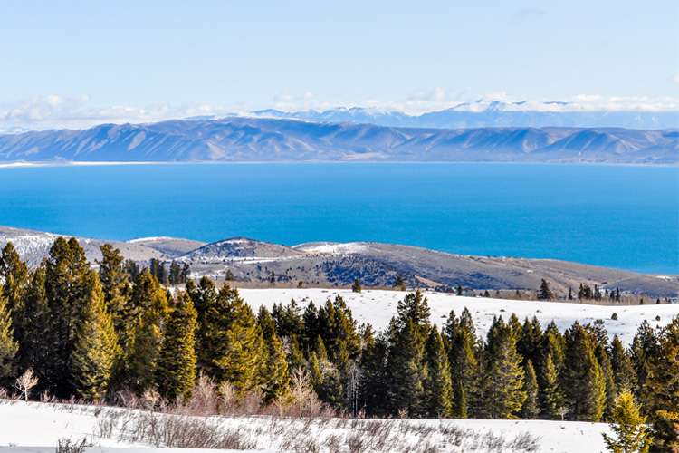 Best Winter Weekend Getaway in Bear Lake State Park