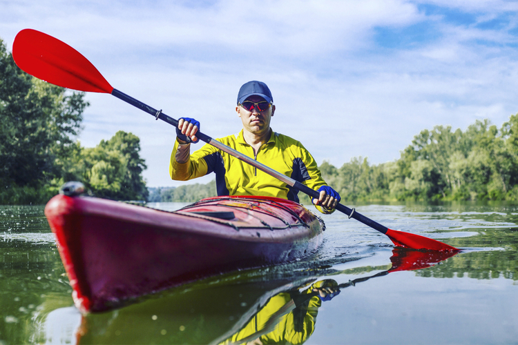 5 Excellent Places for Beginners to Kayak in Kansas
