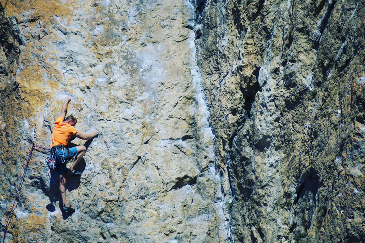 4 Cool Rock Climbing Spots in Kansas