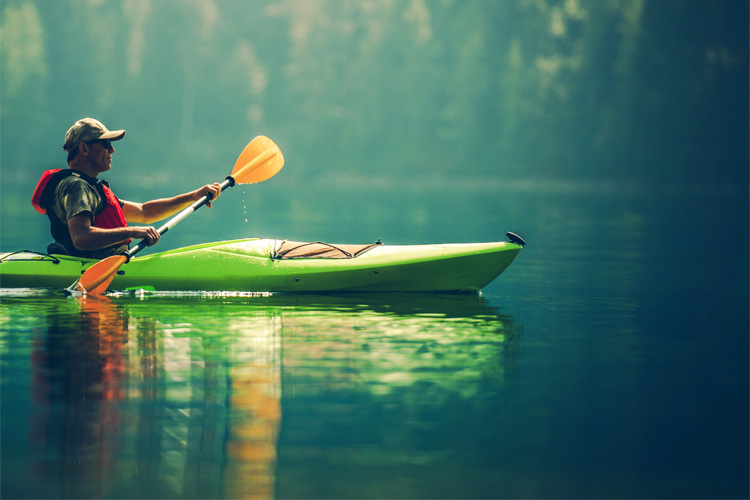 5 Excellent Places for Beginners to Kayak in Massachusetts