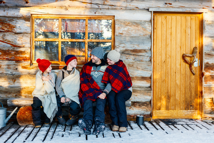 7 Best Winter Cabin Camping Spots in Michigan