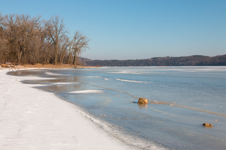 Best Winter Weekend Getaway in Afton State Park