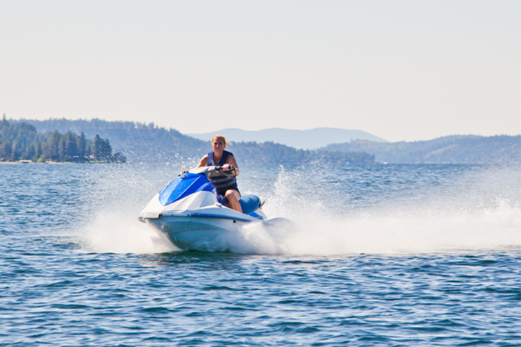 5 Exhilarating Jet Skiing Spots in Missouri