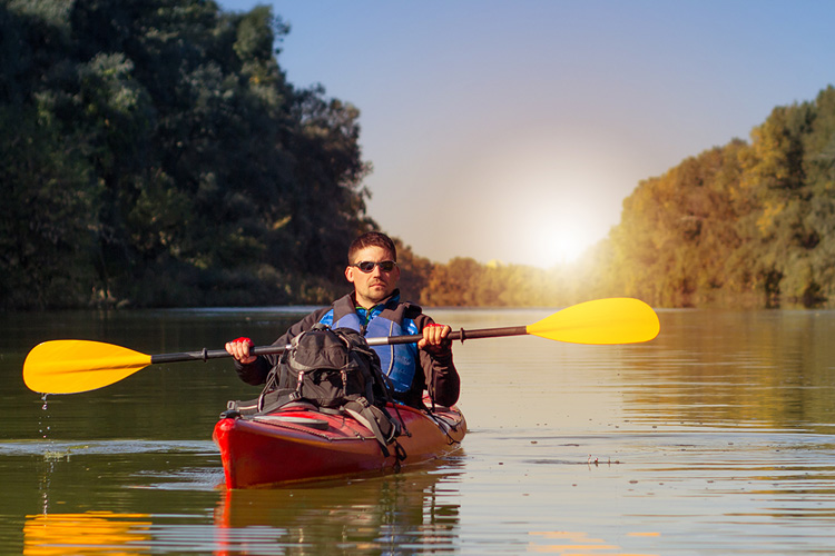 5 Excellent Places for Beginners to Kayak in Missouri