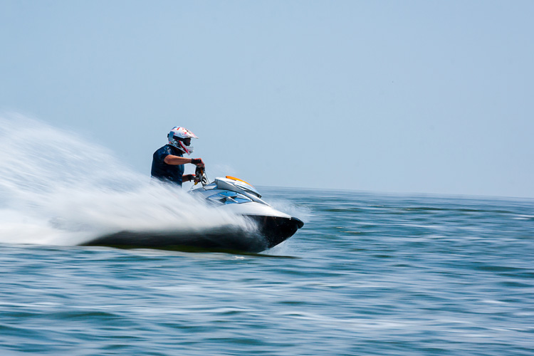 5 Exhilarating Jet Skiing Spots in North Carolina