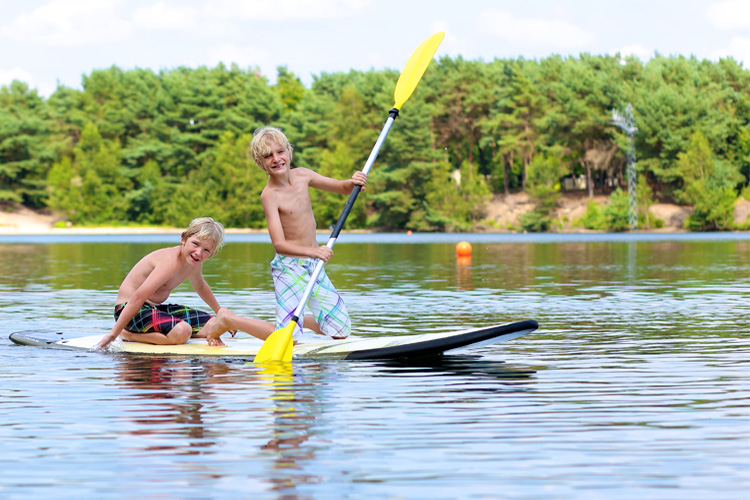 5 Great Paddleboarding Spots in North Carolina