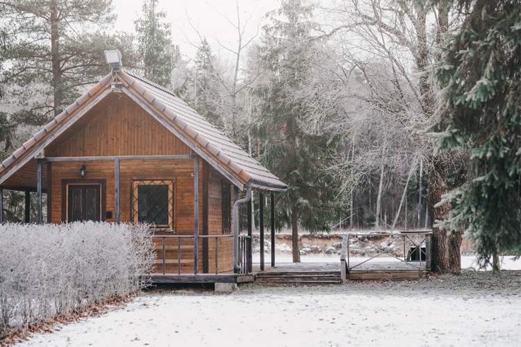 7 Best Winter Cabin Camping Spots in Nebraska