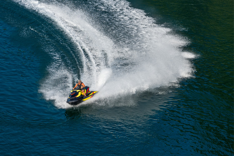 5 Exhilarating Jet Skiing Spots in New Mexico