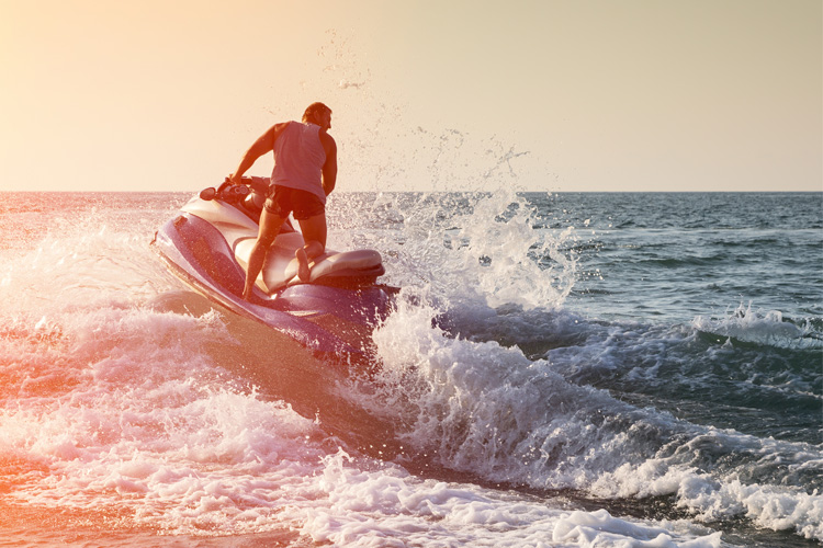 5 Exhilarating Jet Skiing Spots in Nevada