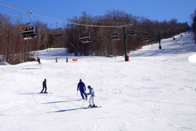 7 Best Ski Destinations for Families in Ohio
