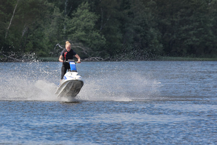 5 Exhilarating Jet Skiing Spots in Ohio