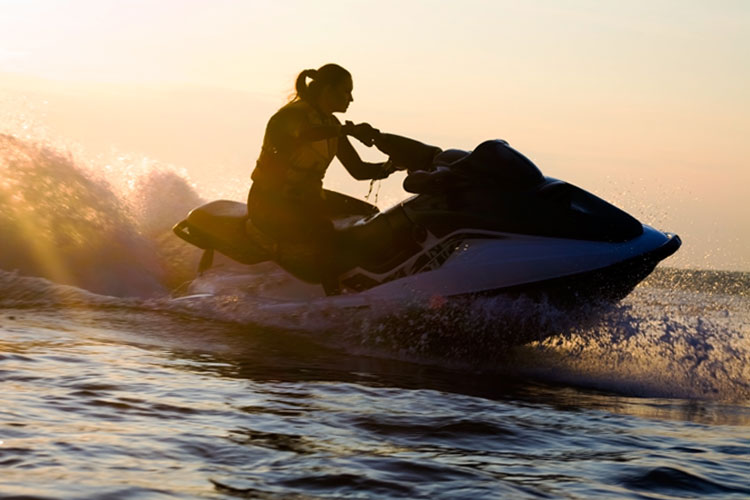 5 Exhilarating Jet Skiing Spots in Oklahoma