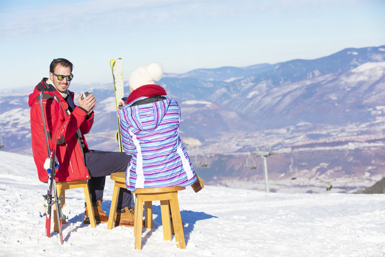 10 Best Ski Destinations for Families in and Around Rhode Island