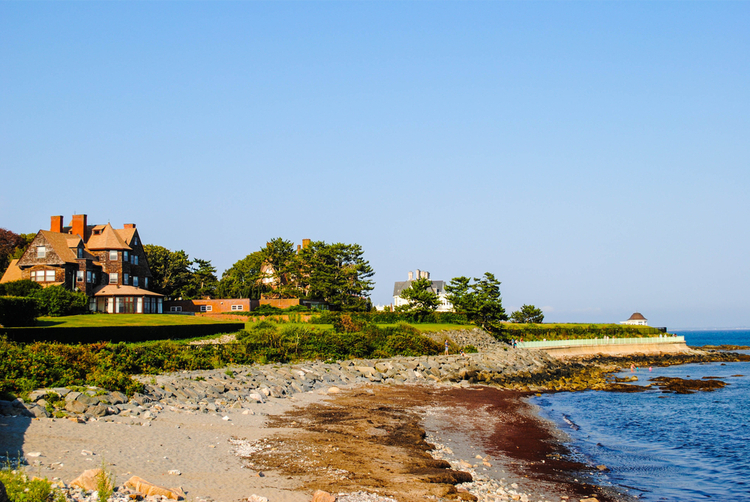 5 Beautiful Scenic Hikes in Rhode Island