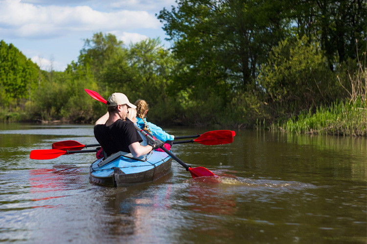 5 Excellent Places for Beginners to Kayak in Rhode Island