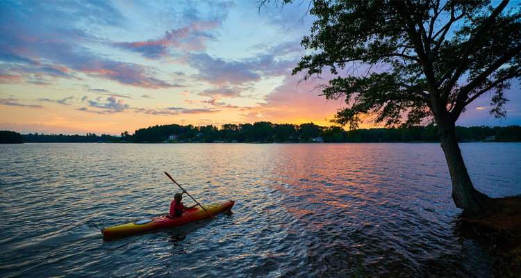 5 Excellent Places for Beginners to Kayak in South Carolina