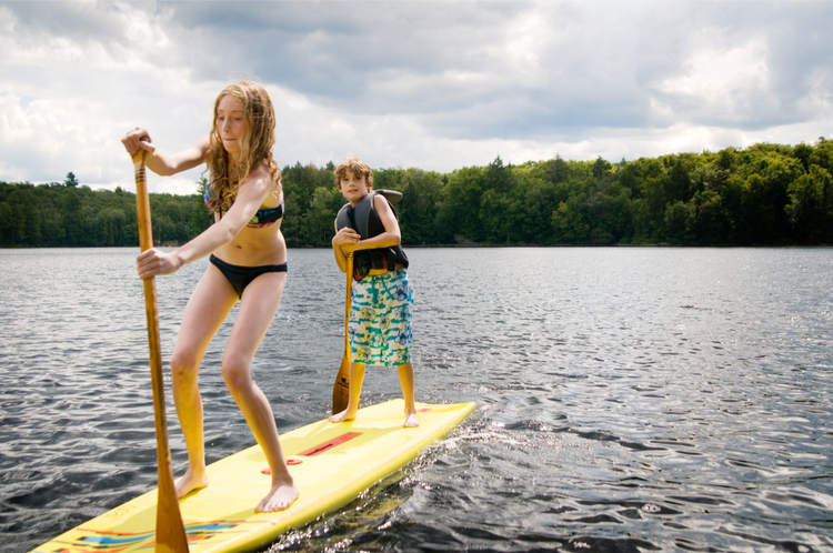 5 Great Paddleboarding Spots in Tennessee