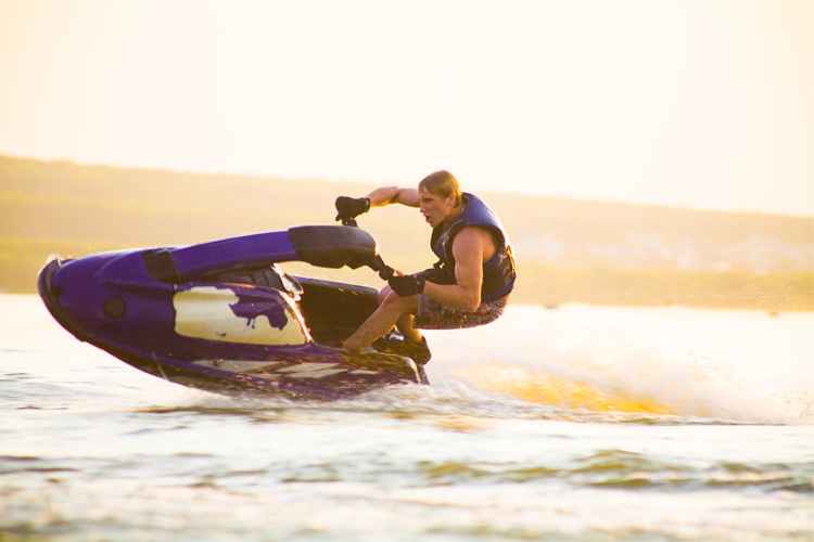 5 Exhilarating Jet Skiing Spots in Texas