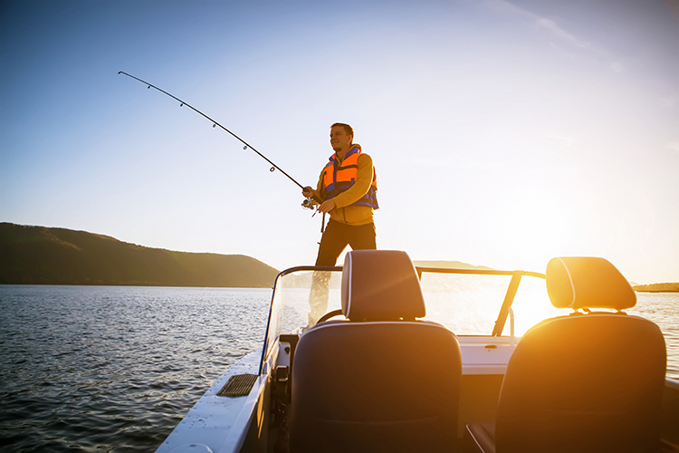 Fishing Vacation: 8 Awesome Places to Rent a Boat in the U.S.