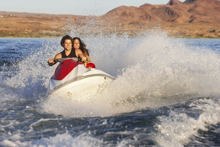 5 Exhilarating Jet Skiing Spots in Utah