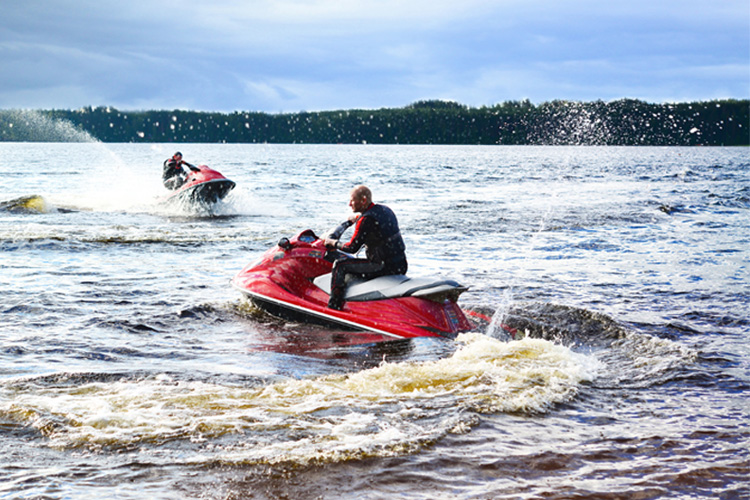 5 Exhilarating Jet Skiing Spots in Washington State