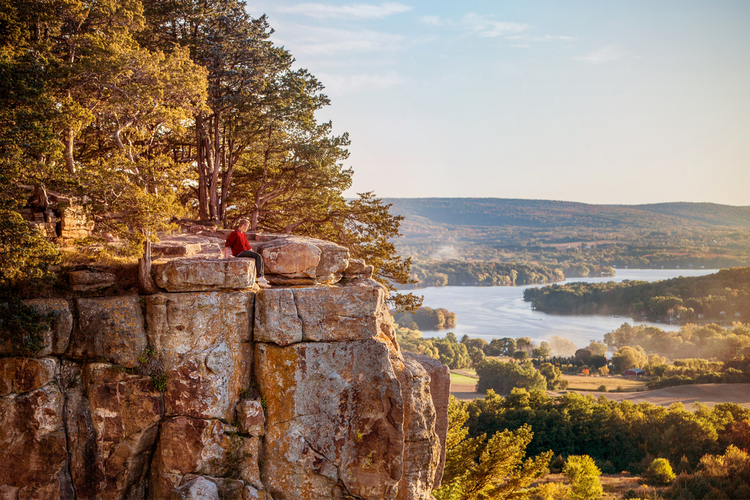 5 Beautiful Scenic Hikes in Wisconsin