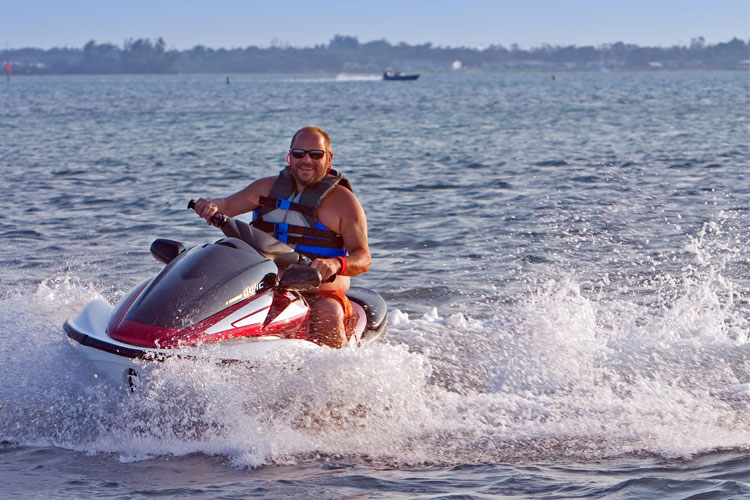 5 Exhilarating Jet Skiing Spots in Wisconsin