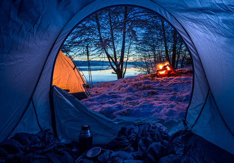 Staying Warm: 7 Must-Have Winter Camping Products